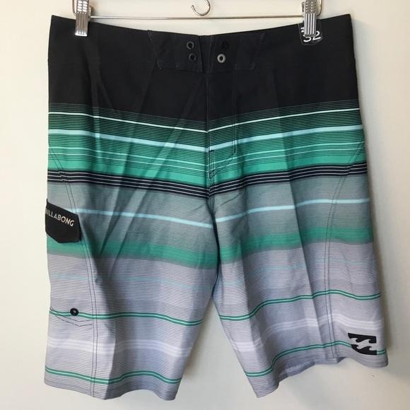 NWOT Billabong Platinum X Striped Boardshorts - 32